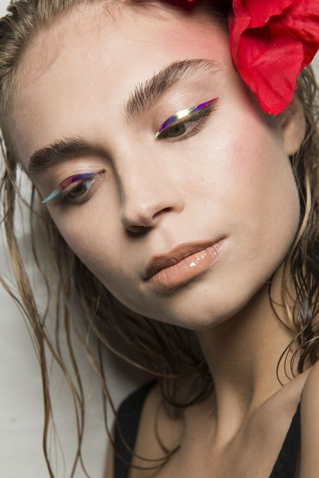 spring-summer-2018-hair-makeup-trends-the-blonds-1506097350